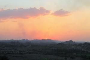 Setting sun looks like an erupting volcano